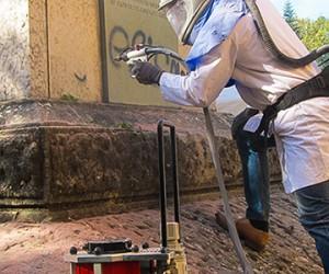 Enlèvement de graffitis